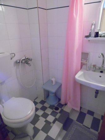 Armonia Hotel: salle de bain