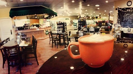 Oak Leaf Cafe: Enjoy a latte! (photo by PennYanUSA)