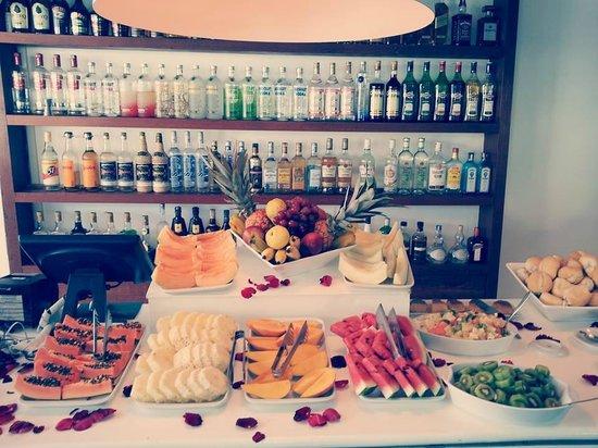 Serena Hotel Boutique Buzios : Parte del desayuno