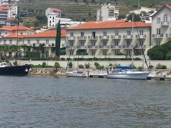 The Vintage House Douro: Vista do Hotel Vintage a partir do Rio Douro