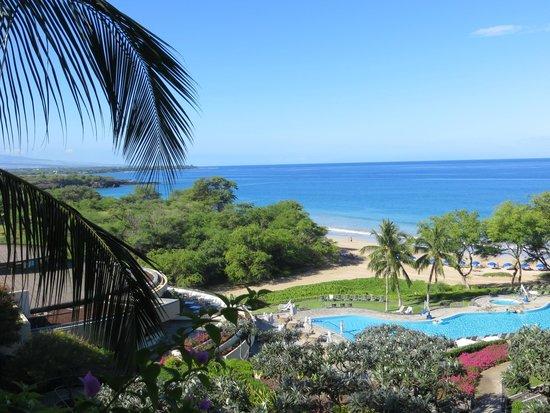 Hapuna Beach Prince Hotel: Main Entrance toward beach