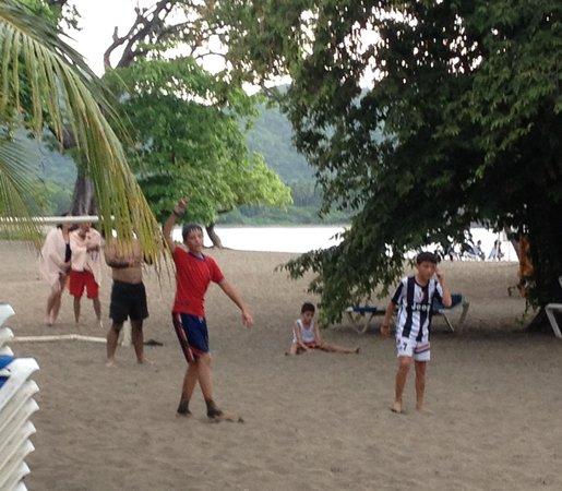 Hotel Riu Guanacaste : Actividades para niños en la playa