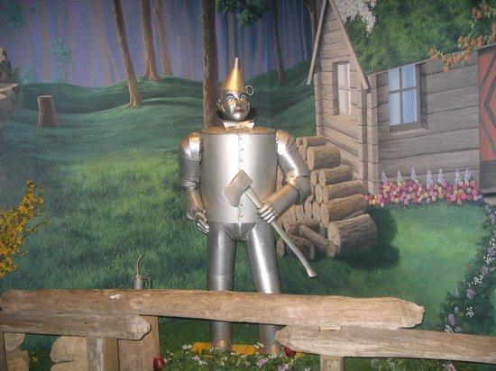Oz Museum: Tin man full body shot