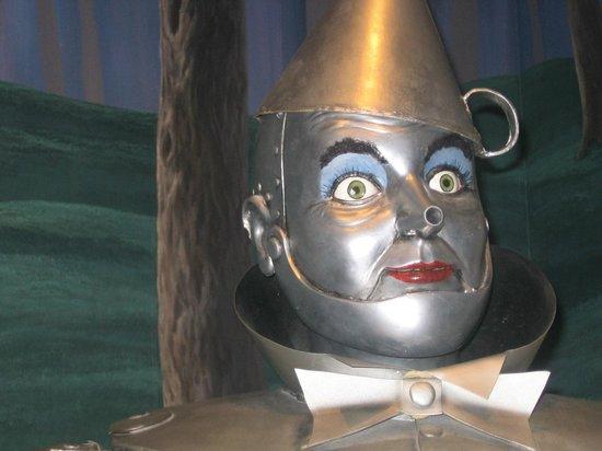 Oz Museum: Tin man head shot