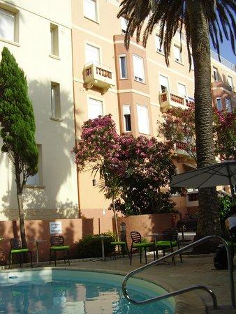 Hotel Splendid : Façade de l'hôtel