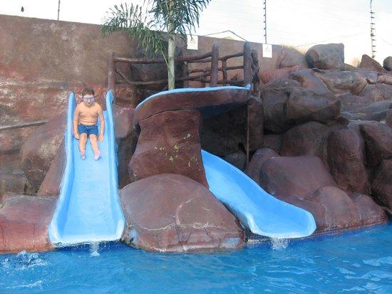 Apart Hotel Villa Nuria: Water slide