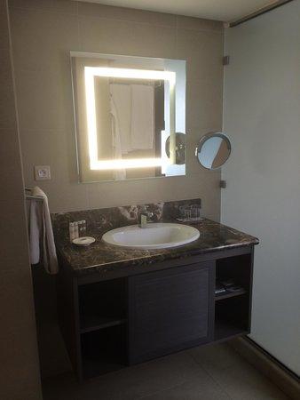 Pullman Marrakech Palmeraie Resort and Spa : Salle de bain et wc 232