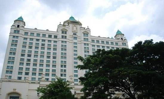 Waterfront Cebu City Hotel & Casino: view from outside