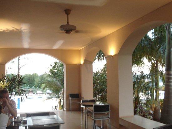 Panoramic Grand: Lobby