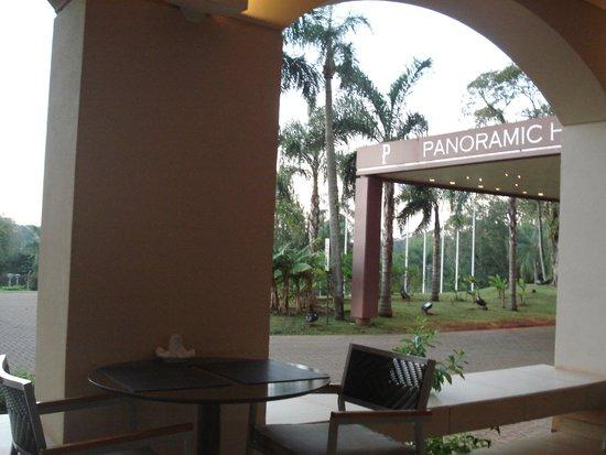 Panoramic Grand: Entrada del hotel