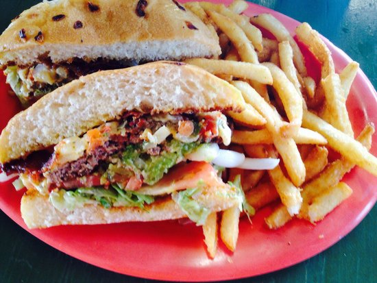 Stingaree Restaurant & Bar: Fiesta burger special