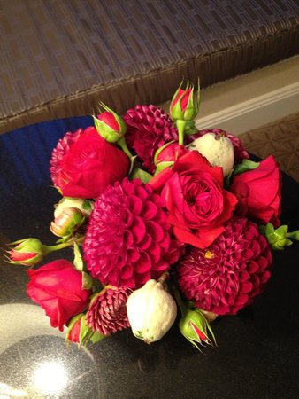 Four Seasons Hotel San Francisco: Floral arrangement sent up for our anniversary...