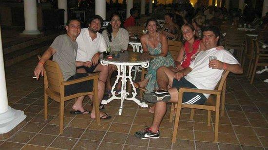 Hotel Riu Bambu : Disfrutando de un trago antes de la Cena!