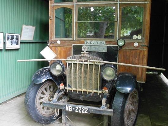 Winterton Museum: Suid Afrika caravan built by John Weston