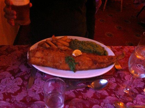 Black Bull Inn: Fish and chips