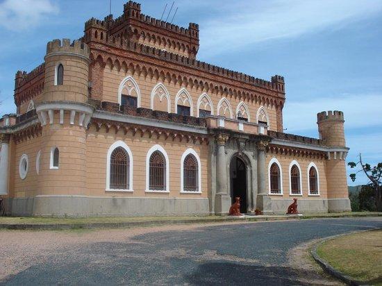 Castillo de Piria: Castillo