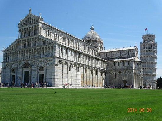 Der Schiefe Turm von Pisa: Leaning Tower of Pisa (La Torre di Pisa)