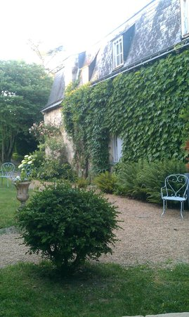 Manoir de Boisairault : Outside our room