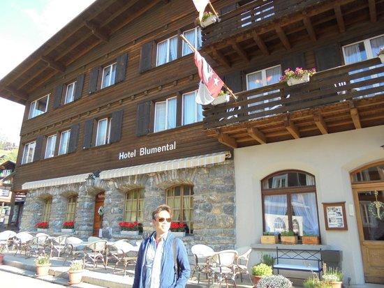 Hotel Blumental Murren: Lower left corner balcony is room #5