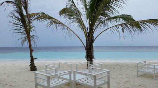 Kandolhu Maldives: Beach Views