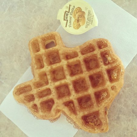 Days Inn & Suites Houston Hobby Airport : Texan waffle for breakfast !