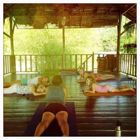 Oasis Yoga: 2