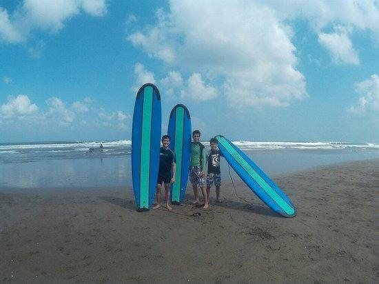 Desu de Bali Surf - Surfing Courses: ����
