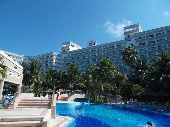 Hotel Riu Caribe: Psicina
