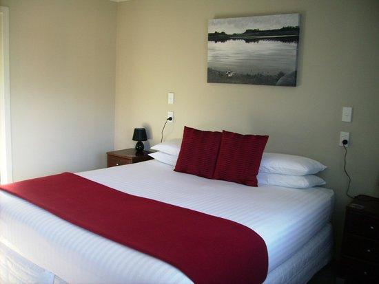 Albert Court Motor Lodge: King sized beds