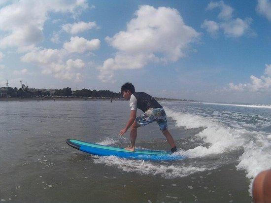 Desu de Bali Surf - Surfing Courses: ��