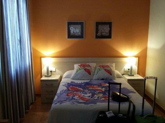 Luz Madrid Rooms: Habitacion con baño incluido