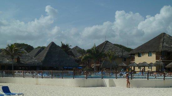 Allegro Playacar : techos de las cabañas
