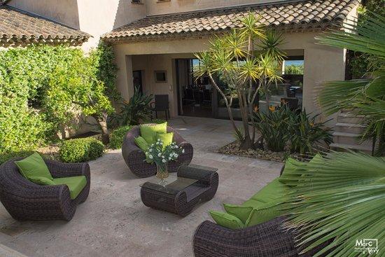 La villa spa la finca sainte maxime france voir les for Hotel les jardins de la villa et spa