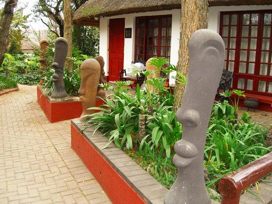 Zulu Nyala Country Manor : Beautiful grounds