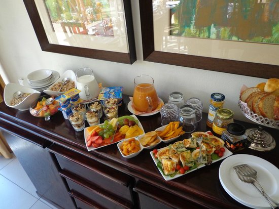 44 on Livingstone Guest House: starting the day with a good breakfast