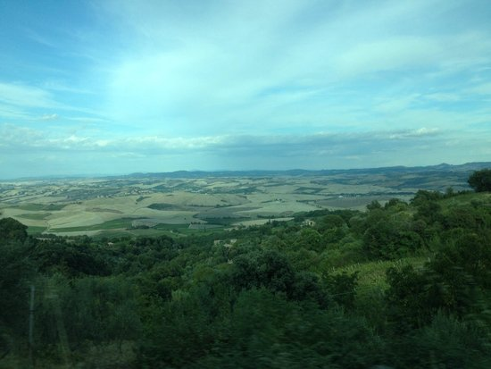 Franco Wine Tour Experience : Views of Tuscany on our tour