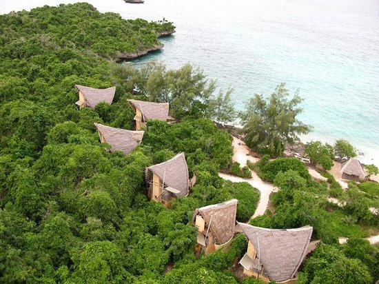 Chumbe Island Coral Park: bungalows seen from light house