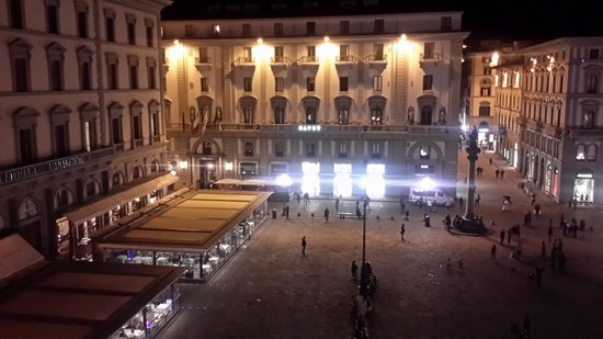 Hotel Pendini: over looking the square