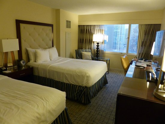 Crowne Plaza Times Square Manhattan : two full beds room