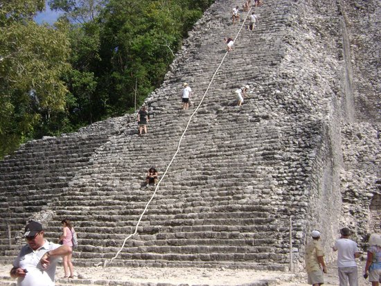 Ruines de Cobá : Pirámide en Coba