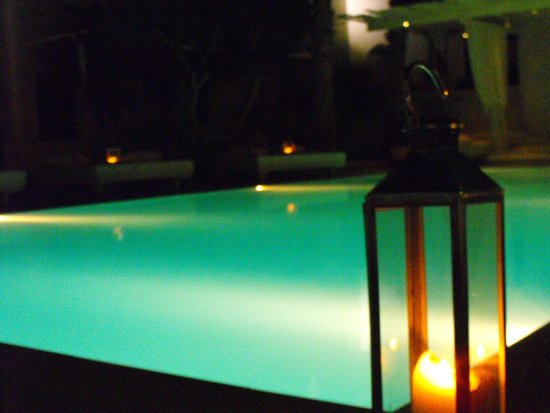 Bellonias Villas: Pool area by night