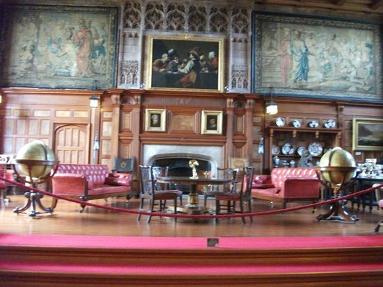 Bamburgh Castle : the great hall