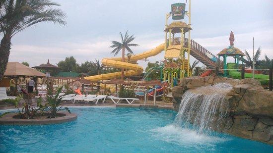 La marina pictures traveler photos of la marina costa - Hotels in alicante with swimming pool ...