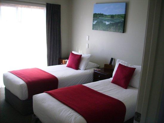 Albert Court Motor Lodge: Twin Bedroom