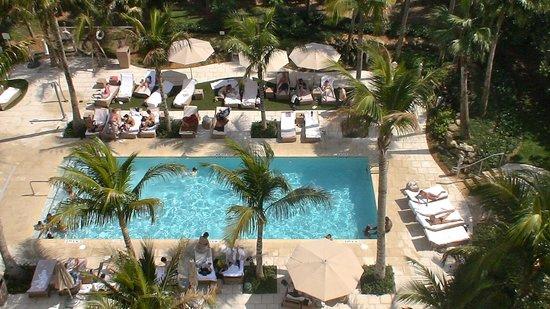 Grand Beach Hotel: Una de las piscinas exteriores