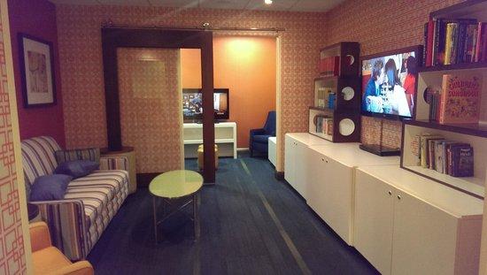 Fairfield Inn & Suites Orlando Lake Buena Vista: Salle de détente