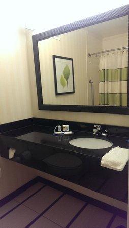 Fairfield Inn & Suites Orlando Lake Buena Vista: Salle de bain