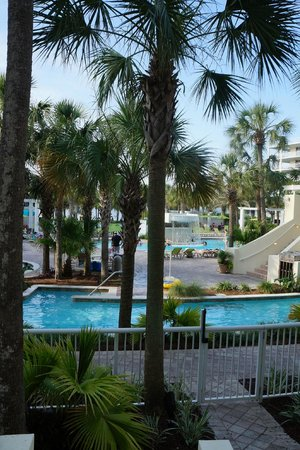 Destin West Beach and Bay Resort : pool