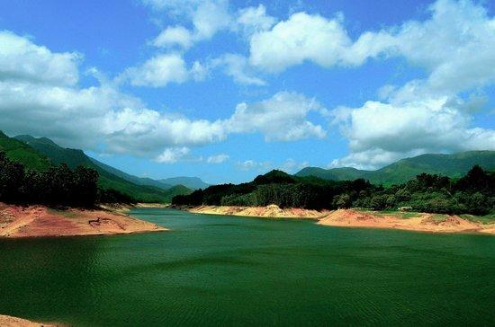 Kerala Backwaters: Madupetty Dam - Munnar