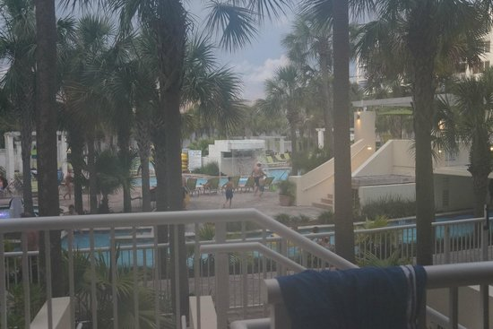 Destin West Beach and Bay Resort : view of waterfall